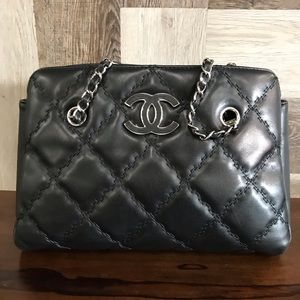 Authentic CHANEL open top accordion shoulder bag